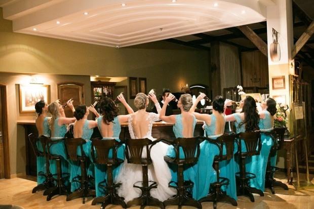 casamento-ao-ar-livre-foto-thiago-machado-amigas-madrinhas-noiva