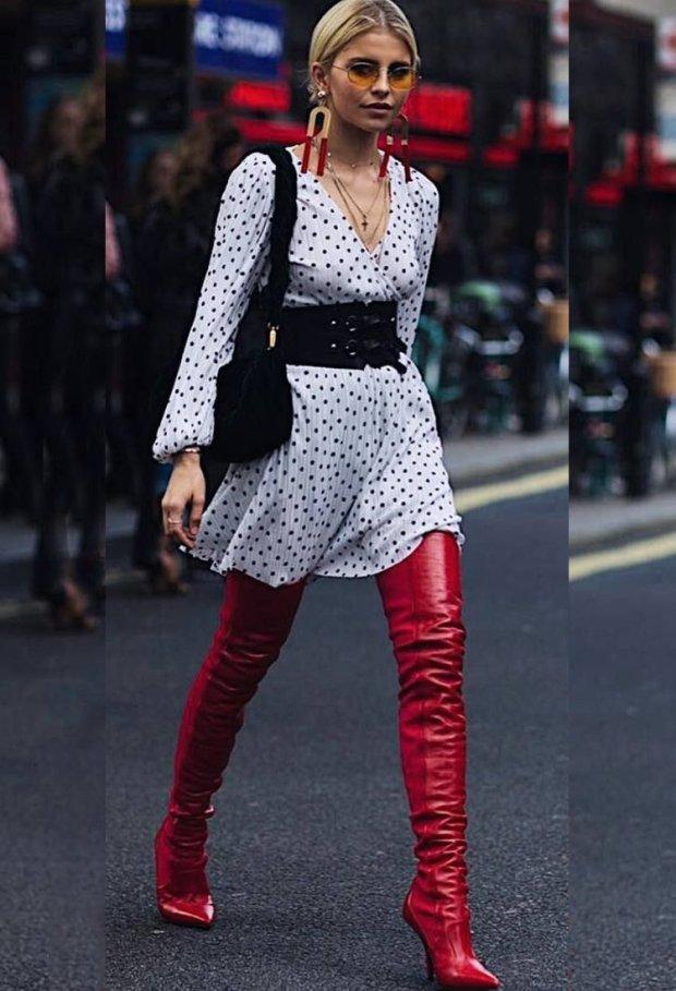 vestido-e-bota-vestido-com-bota-bota-vermelha-over-the-knee-vermelha-red-over-the-knee-vestido-de-verão-vestido-poá-vestido-de-bolinha-vestido-branco-de-bota