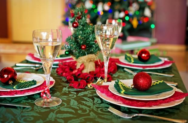 christmas-table-1909797_1920